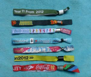 Customized Woven Wristband with Disposable Buckle pictures & photos