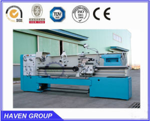 Universal Manual Lathe Machine pictures & photos