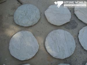 Round Grey Flagstone for Outside Garden Decoration (CS009) pictures & photos