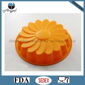 fashion Big Size Daisy Silicone Baking Tool Silicone Cake Pan Sc35 pictures & photos