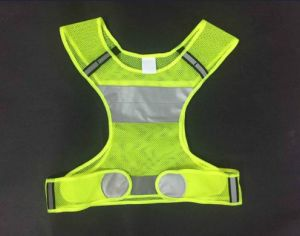 Sports Reflective Vest, Made of 100% Polyester Mesh Fabric pictures & photos