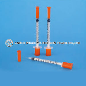 Insulin Syringe with Detachable Needle pictures & photos