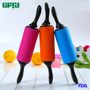 Eco-Friendly FDA/LFGB Approval Non-Stick Silicone Rolling Pin pictures & photos