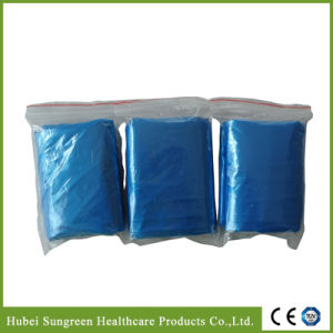 Disposable PE Waterproof Isolation Gown with Short Sleeves pictures & photos