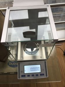 0.01mg 30-50g Electronic Analytical Balance Electronic Scale pictures & photos