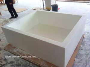Corian Function Free Standing Custom Sized Bathtub pictures & photos