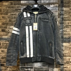 Fashion New Knit Men Jacket with Hood pictures & photos
