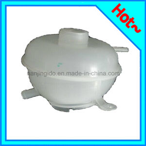High Quality Expansion Tank for Freelander Pcf000012 pictures & photos