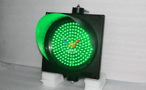 Road Junction High Quality 300mm Green Signal LED Traffic Light pictures & photos