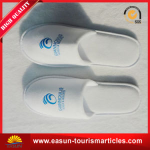 Best Price Custom Embroidery Logo Hotel Slippers pictures & photos
