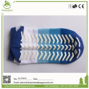 Factory Hot Selling Non Slip Yoga Trampoline Socks Sticky pictures & photos