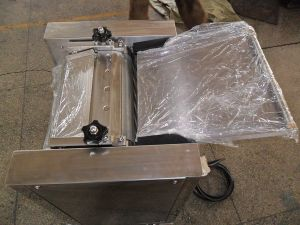 Hot Sale High Quality Factory Price Stainless Steel Fish Skinning Machine pictures & photos