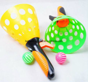 Promotional Plastic Scoop Catch Ball Game Kids Ball Catch Game Toy pictures & photos