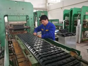 400*72.5*74 Rubber Track Manufacture High Quality Excavator Track pictures & photos