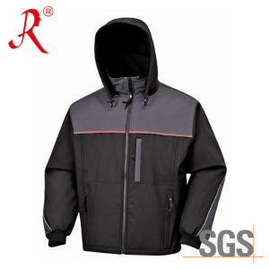 High Quality Outdoor Waterproof Softshell Jacket with Hoody (QF-403) pictures & photos