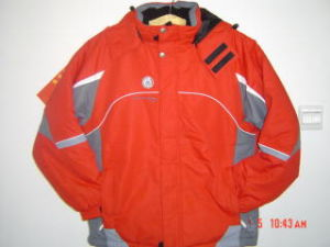 Men Nylon Taslon Casual Skiing Wear Jacket for Outdoors pictures & photos