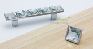 Luxurious High Clear Big Glass Crystal Kitchen Drawer Handles Pulls pictures & photos
