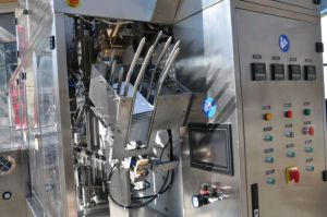 Fresh Milk/ Flavoured Milk Gable Top Carton Filling Machine pictures & photos