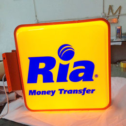 Hanging Lightbox Full Color LED Display with LED Light pictures & photos