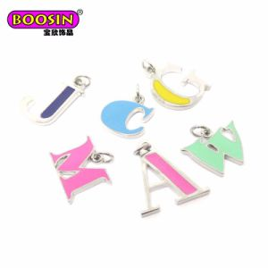 Metal Pendant Design Jewelry Crystal Initial Letter Alphabet for Bracelet pictures & photos