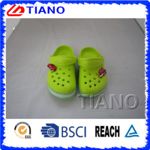 Green Cute Light Shoes with an Car for Boys (TNK90004) pictures & photos