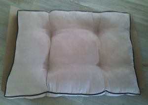 Anti Slip Beige Suede Soft Pet Bed Dog/Cat Bed pictures & photos