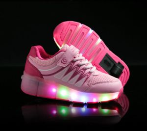 2016 New Product  Flash Lignt up Roller Skate Kids LED Shoes pictures & photos