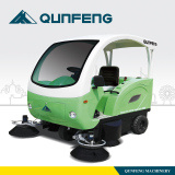 Qunfeng Ride-on Road Sweeper with High Effiency pictures & photos