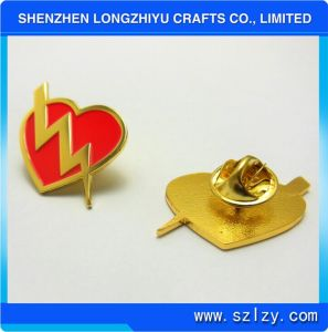 Heart Shaped Metal Badge Pin with Shinny Gold Plated for Cheap Price pictures & photos