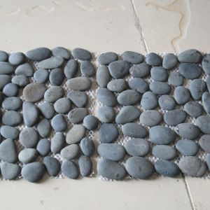 Black Pebbles with Net for Landscaping Decoration pictures & photos