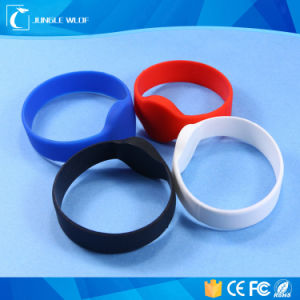 Hf RFID Silicone Wristband with Different Color pictures & photos