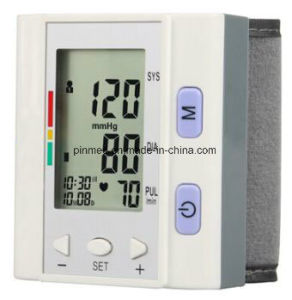 Blood Pressure Monitor Wrist Type pictures & photos
