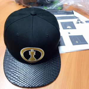 6panel Adjustable Fashion Cotton Embroidery Baseball Cap with Black Snake PU Brim pictures & photos