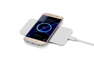 Wireless Charging Pad Qi Wireless Charger with USB Cable pictures & photos