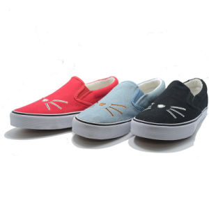 Cat Style Alip-Ons Round Canvas Casual Women Men Student Shoes pictures & photos