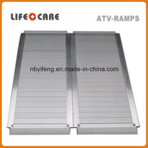 Lightweight Aluminum Electric Wheelchair Ramp pictures & photos