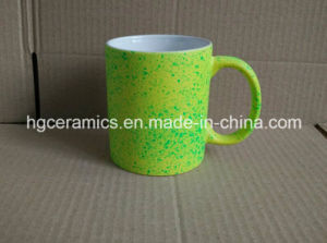 11oz Fluorescent Mug with Spray DOT pictures & photos