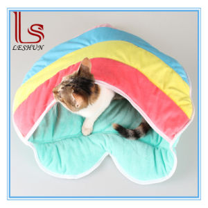 Winter Hot Sale Warm Comfortable Soft Heart-Shaped Cat Sleeping Bag / Bed / Pet House pictures & photos