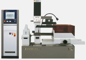EDM Wire Cutting Machine[Dk7750] pictures & photos
