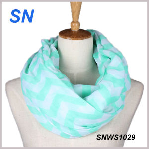 2015 Newest Design Fashionable Toddler Chevron Scarves pictures & photos