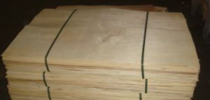Natural 0.18mm Pencil Cedar Veneer pictures & photos