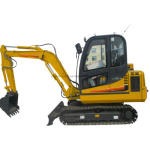 China Best 4ton Yanmar Engine Mini Excavator with CE Certificate 2 Year Warranty pictures & photos