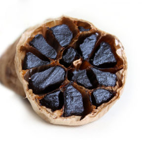 Good Taste Fermented Black Garlic 6 Cm Bulbs (500g/bag) pictures & photos