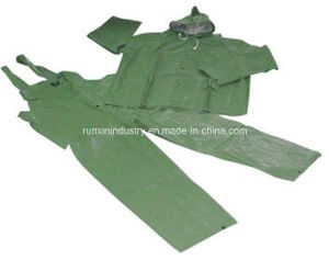 2PCS PVC Raincoat with Bib Pants R9006 pictures & photos