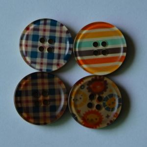 Fashion Hot Resin Fish-Eye Button for Garment Clothing pictures & photos