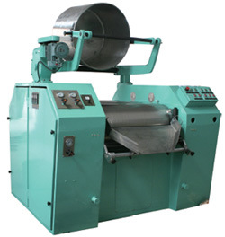 CE Approved Hydraulic Three Roll Mill Grinding Machine