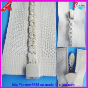 Diamond (Rhinestone) Zipper (XDDZ-005) pictures & photos