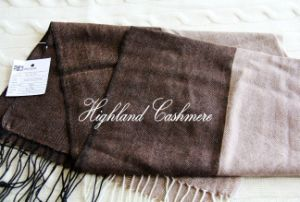 Worsted Cashmere Scarf with Herringbone Pattern pictures & photos
