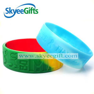 Fitness Custom Debossed Logo Silicone Wristband pictures & photos