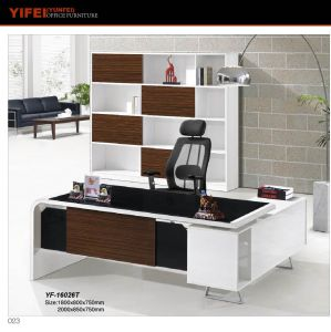 2017 Modern Style 2.2m Office Glass Boss Table (Yf-16025t)